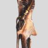 Sculpture longiligne d'une jeune femme